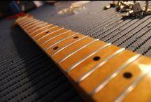 I MIEI LAVORI | 13: Sostituzione Tasti su una Fender Stratocaster Custom Shop / Passo dopo passo mentre eseguo una sostituzione tasti.  #bedinicustomguitars #FenderStratocaster