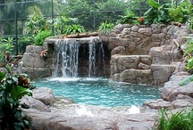 Backyard Water Features / by Cheryl Phipps