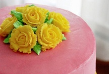 Pink Cake with Yellow Roses / pink cake