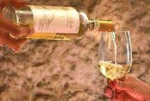Wein + Liköre / Wein und Liköre von Giuseppe Sedilesu, Cantina Dorgali, Cantina del Vermentino Monti, Binzamanna Vini und Bresca Dorada aus Sardinien