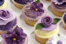 Cupcakes decorados / Cupcakes com decorações diferentes, e mini bolos.