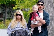 Celebrities and Strollers / Celebrities out and about with the same strollers that you can rent from Simple Stroller Rental!