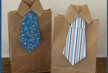 Krawatten DYI - Geschenke & Basteltipps / Ob die Krawatte selber nähen oder ein Geschenk als Krawatte verpackt: Hier sammeln wir die außergewöhnlichsten DYI Ideen.
