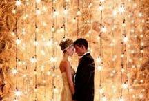Hochzeit ganz in gold / Am schönsten Tag im Leben, darf es ruhig mal richtig funkeln: Hier bieten wir Euch Inspiration für eine goldene Hochzeit (nicht erst nach 50 Jahren, sondern von Anfang an!)