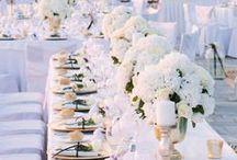 Hochzeitsinspiration: Ein Traum in Weiß / Weiß gilt als die vollkommenste Farbe, die für das Gute, den Anfang und die Einheit steht. Also die perfekte Farbe für die Hochzeit. Hier einige Inspirationen für den schönsten Tag im Leben ganz in weiß.