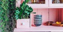 Deko Details / Dekoideen, Boho Look, vintage, dekorieren, Regale Deko, Textilien, sammeln, bunt, ethno, Stillleben, Inspiration, Homestyling, Styling, einrichten, Dekotipps, Farben