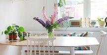 Interior - Esszimmer Deko / Esszimmer Deko und Einrichtung im Boho vintage Look mit bunten Farben oder Naturtönen, Esstischen im vintage Stil und Eames Stühlen