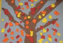 Herbst - Fall / Der Herbst, der Herbst, der Herbst ist da, er bringt uns Wind, hei hussassa! Schüttelt ab die Blätter, bringt uns Regenwetter. Heia hussassa, der Herbst ist da!
