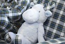 Peluches y muñecos / Muñecos y peluches para bebés y niños. Juguetes para tus hijos. Ideas para regalar al recién nacido o al bebé. Regalos originales.