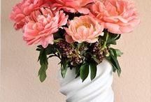 Flower • Dekoration / Auf diesem schönen Blumen Board findest du schöne Dekorations Ideen mit Blumen. Ob Sträuße, Kränze, Blütenbogen oder Raumschmuck.