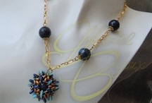 Parure / Parures with beads and semi-precious stones