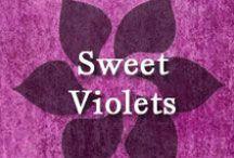 Gumpaste-Fondant Sweet Violets / A Collection of Gumpaste-Fondant Sweet Violet Flowers