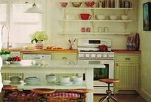 make do kitchens / Ideas for beautiful kitchens while on a budget. DIY, Vintage, Smart Storage