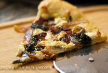 Pizza / Pizza: recipes and ideas for pizza, including the dough, and the sauce.