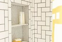 PERONDA ARGILA POITIERS - płytki ceramiczne w sklepie Kolory Meksyku / Ceramiczne płytki z kolekcji Argila Poitiers, dostępne w dwóch rozmiarach (7.5 x 30 cm oraz 15 x 30 cm),  stylizowane na ręcznie formowane pozwalają na różnorodne wykańczanie krytej powierzchni – dzięki różnym sposobom kładzenia fugi można uzyskać efekt idealnie gładkiej ściany lub surowy, szorstki w wyrazie, bliski stylistyce wiejskich domostw.  Zapraszamy na bloga po więcej inforamcji: www.kolorymeksyku.pl/blog/plytki_peronda_poitiers