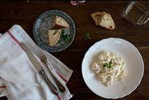 Tapas y ensaladas - Miplato / Hay platos que piden compañía y qué mejor que con nuestra selección de exquisitas tapas y ensaladas. Como entrante para tus almuerzos y cenas o para acompañar en una buena charla con amigos. Ahora puedes comprar Online las tapas más típicas de nuestra gastronomía. Te servimos las mejores tapas y ensaladas en tu domicilio en 48 horas.