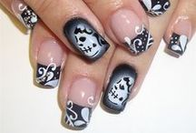 Halloween Nails / Spooky nails for October 31