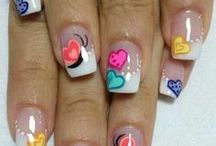 Spring / Summer Nails / Bright colors or warm themes