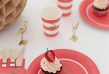 Flamingos / We are so in love with Flamingos for Summer Parties!