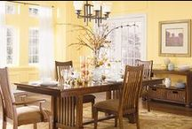 Dining Room Paint Colors & Tips / Need to learn how to paint your dining room? Want to learn how to pick the right dining room colors? Paint your dining room with ease using these step-by-step instructions and dining room paint color tips.