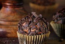 Muffins & Cupcakes / Superschokoladige Cupcakes oder fruchtige Muffins - auf diesem Board sammeln wir tolle Muffin- und Cupcakerezepte