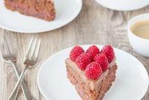 """Backenmachtgluecklich.de - Rezepte / Leckere süße und pikante Backrezepte aus der Glücksbäckerei - von Kuchen und Tartes über Muffins und Cupcakes bis hin zu Brot und Knabbergebäck. Einer der Schwerpunkte von """"Backen macht glücklich"""" ist gesünderes Backen - sei es low carb, glutenfrei, ohne Zucker, vegan oder clean."""