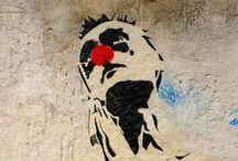 Collages / Street Art sur les murs de la ville. #Photographies Valérie Goutille © Rouge-Bengale. Technique collage papier
