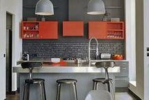 Кухня | Kitchen / Кухня – это одна из главных комнат, где мы начинаем свой день чашечкой чая или кофе, а если кухня совмещена с гостиной, тут мы заканчиваем его семейным ужином или романтическим коктейлем при свечах. Именно здесь мы воплощаем свои кулинарные фантазии в жизнь и собираемся всей семьей для совместной трапезы.