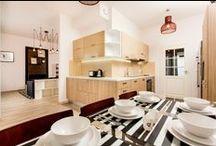 Апартаменты комплектация | Apartament /  Апартамент-отель — комплекс номеров квартирного типа с возможностью аренды и полным набором гостиничных услуг. Обычно апартамент оборудован кухней и ванной комнатой.