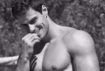 Homens Calientes / Muita sensualidade, Ousadia, Tesão e Beleza Masculina