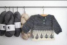 Onni's x-mas wishlist / Onnin joululahjalistalta löytyy vinkkejä, kuvia ja linkkejä touhukkaille tontuille. Onni toivoo toiminnallisia leluja, vaatteita ja musikkia ja piirustusvälineitä ainakin. Kengänkoko on varmaan talven mittaan 22 ja vaatetkoko 86. Keväällä sitten 92.