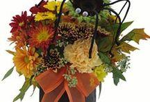 Halloween Flower Bouquets and Decor / Add fresh flowers to your Halloween Party for a fun, festive effect.  Atlanta Florist, Atlanta Flowers. http://www.hallsflowershop.com/holidays/halloween/