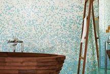 Badezimmer Inspirationen / Das Badezimmer ist morgens meist der erste Raum den man betritt. Gerade hier sollte man auf eine wohltuende Atmosphäre achten. Auch wir sind stets auf der Suche nach neuen Inspirationen und Trends im Bereich der Badezimmer-Gestaltung.