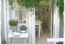 Garten, Balkon, Terrasse // Gardening / Ideen für den Garten, vor allem für sehr kleine Gärten, die Terrasse und den Schrebergarten.  Was pflanze ich wann? Wie schneide ich meine Bäume richtig? Wie kann ich alles anlegen?