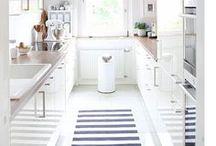 Traum-Küchen // My Future Kitchen / Ideensammlung für meine künftige Küche. Hell wäre schön, und Landhaus, oder skandinavisch... Ein bisschen Entscheidungshilfe für die Küchenplanung!