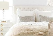Bedrooms / Bedroom set and decoration inspiration