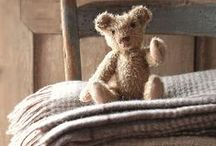 Toys - Teddy Bears / by Britta