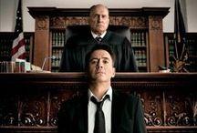 """Kampania filmu """"Sędzia"""" / Odnoszący sukcesy adwokat, Hank Palmer powraca do rodzinnego miasta na pogrzeb matki. Na miejscu dowiaduje się, że jego chorujący na raka ojciec podejrzany jest o morderstwo."""