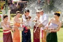 Thailandia - Il paese dei sorrisi / IL tempo prossimo, vi proponiamo il viaggio in Thailandia. Se volete avere le esperienze memorabili per la Thailandia o un viaggio confortevole con vostri amici, vi preghiamo di visitare il nostro sitoweb : http://viaggi.asiatica.com/. Grazie!