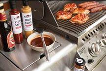 Grills & Zubehör / Es ist angerichtet. Die Temperaturen stehen, der Grill auch. Worauf warten wir also noch: Let's barbecue! Bei uns finden Sie alles Rund ums Grillen damit Ihre Traum vom perfekten T-Bone Steak wahr wird.