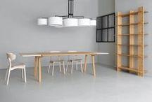 ZEITRAUM / ZEITRAUM Möbel sind mehr als Gebrauchsgegenstände. Sie repräsentieren eine Haltung dem Leben und den Dingen gegenüber. Die Dinge, die uns begleiten, sollen Charakter haben, im Alltag bestehen können und sich wechselnden Lebenslagen anpassen. Sie sind Spiegel und Ausdruck ihrer Besitzer, sie sind Diener und Freunde.