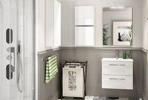 """""""Griseus"""" / Una de las mayores tendencias de diseño en los cuartos de baño es el uso del color gris, combínalos con blanco y color madera. Tendrás un baño súper acogedor, bonito y moderno. Te esperamos en Duchamanía, llámanos: 91 115 01 78. Estamos en #Valencia #Alicante # Asturias, #Cantabria, #Santander y #Madrid #bañostrendy #tendenciasdediseño, #coloresneutros, #diseñoescandinavo #vintagestyle #minimalismo #style #diseñointerior"""