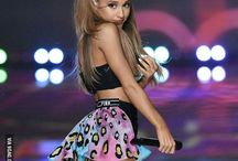 Ariana in Victoria Secret's show