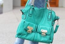 purses / by Dinora