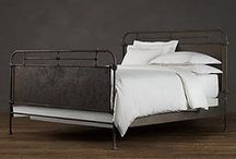 Inspiration - Metal Beds / Well, would ya look at that....a metal bed! Me likey!