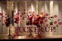 Gift shopping inspiration / We love beautiful window displays!