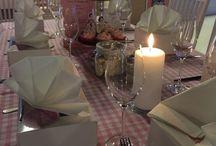 Damenes aften 2015 Tema: Mulighetenes vei / Bilder fra arrangementet Damenes Aften. Villa Vestby samler hvert år 100 kvinner. I år var det fokus på mulighetenes vei og 100 års jubileum for husmorforeningen.
