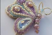 Gyöngyhímzés- Bead Embroidery