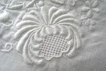 výšivky4 jemné biele