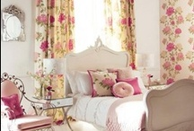 Pretty Bedrooms / by Melissa Sullivan